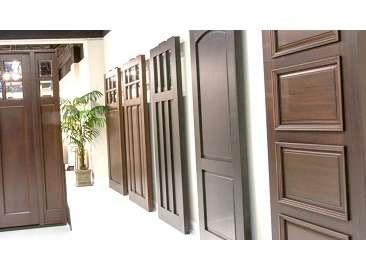 Топ достоинств и недостатков межкомнатных дверей со стеклом