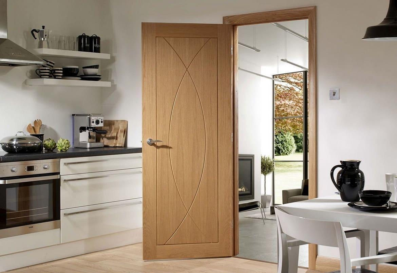 межкомнатные двери на кухню